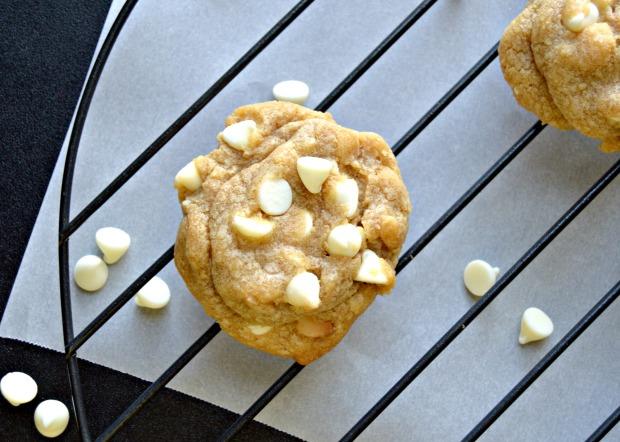 whitechocomaccookies