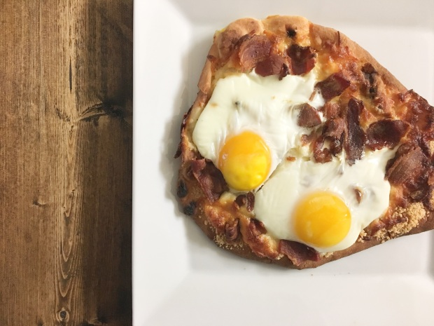 breakfastflatbreadpizza.jpg